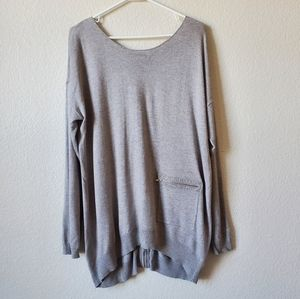 Vertical Design Gray Sweater With Orange Back